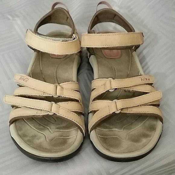 919f473ac408d Teva Tirra Size 9 Leather Sandal Shoe Hike Trail. M 5a69461961ca10b1cc6f8640